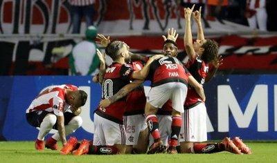 Flamengo viaja diezmado, pero confiado para la final