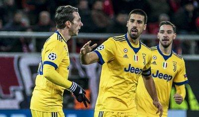 La Juventus cumple y estará en octavos