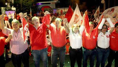 Odila Báez cerró campaña ante una imponente multitud de seguidores
