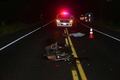Motociclistas mueren en choques frontales