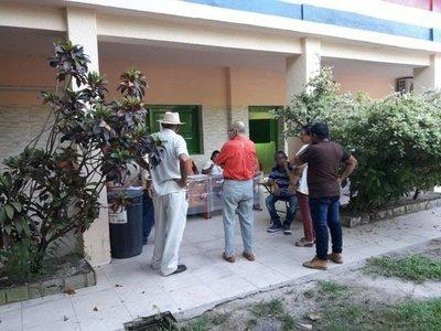 Retraso de votaciones en Fuerte Olimpo