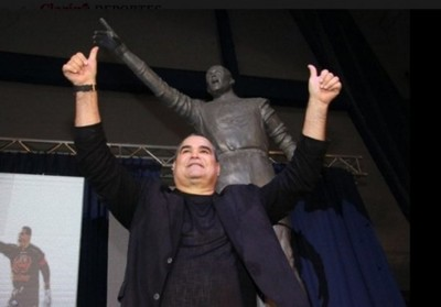 Y Chila Ya Tiene Su Estatua