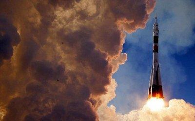 Nave tripulada Soyuz despega rumbo a la Estación Espacial