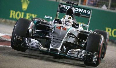 Hamilton y Márquez persiguen a Fangio, Schumacher y Rossi