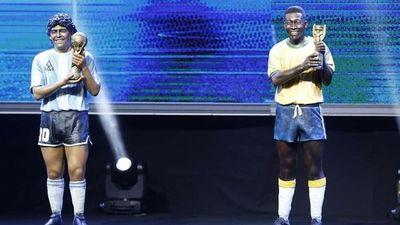 Maradona y Pelé ya tienen sus estatuas en la Conmebol