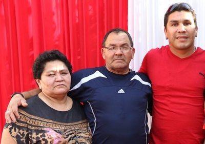 Los papás de Salvador salen a negar que dopen a su hijo