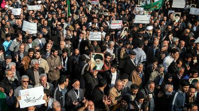 Protestas en irán continúan con 10 muertos