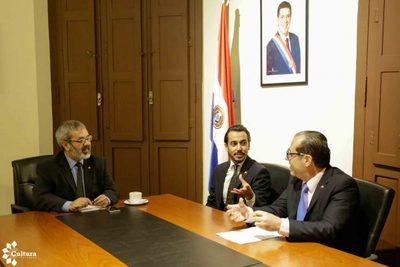 Buscan intercambios culturales y educativos con Paraguay