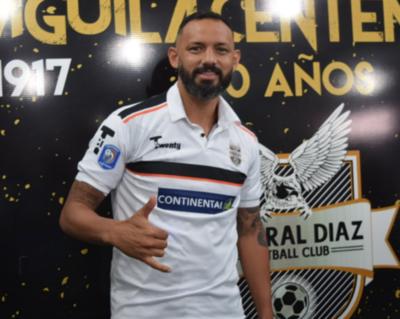 General Díaz presenta a su refuerzo estrella