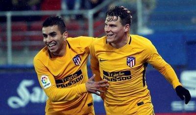 Gameiro da triunfo al Atlético y presiona al Barcelona