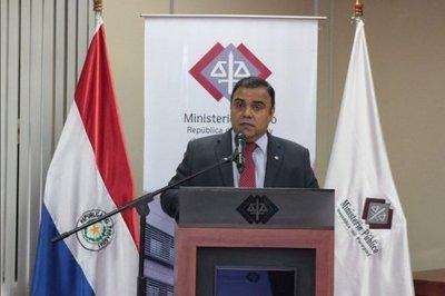Presentan pedido de juicio político a Díaz Verón