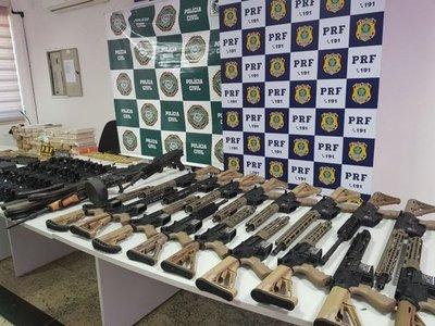 Militar brasileño salió de Foz con arsenal y droga