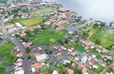 Inundación contamina la ribera con mucha basura y efluentes cloacales