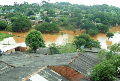Sube nivel del río y más de 20 casas  estarían afectadas en barrio San Rafael