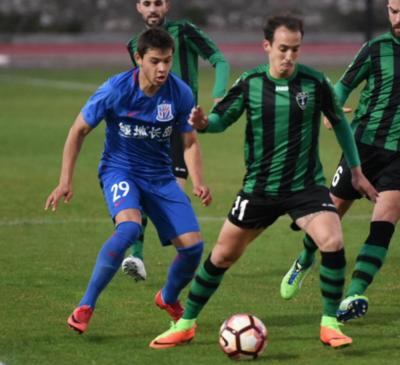 Romero debuta con gol en su club chino