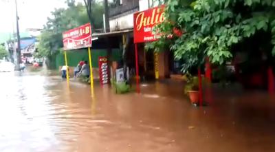Encarnación quedó bajo agua tras intensa lluvia