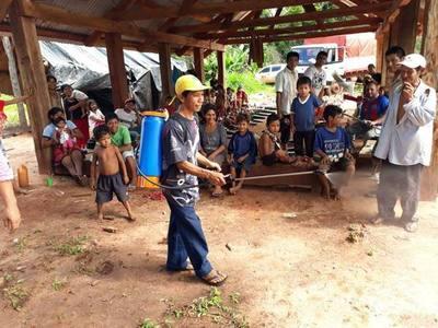 Entregan implementos agrícolas a comunidad indígena