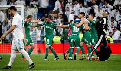 El Leganés hace historia y empuja al Madrid al abismo