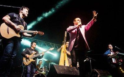Tierra Adentro lanza hoy un nuevo video en un concierto