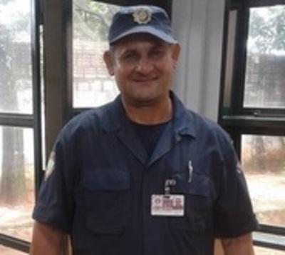 Guardia arriesgó su vida para salvar a dos criaturas en Ñemby