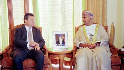 Leite propone negocio ganar o ganar a Omán
