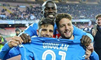 Napoli sigue líder tras arrollar a Lazio