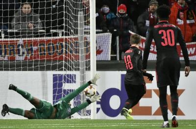 Arsenal golea a Ostersunds de visitante