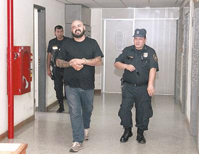 Condenan al ex vocalista de Pipa para Tabaco