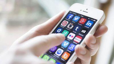 La arrogancia de Silicon Valley en la batalla por la industria móvil representada en el MWC