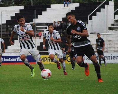 Lluvias y goles en jornada dominical de Reserva