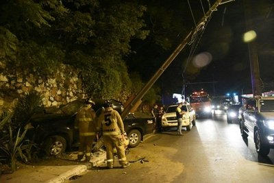 Bloquean avenida Luis Argaña tras choque
