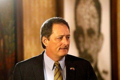 Asume nuevo embajador de EEUU en Paraguay