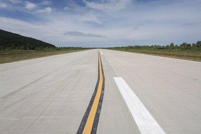 Fuerte Olimpio por fin cuenta con nueva pista aérea
