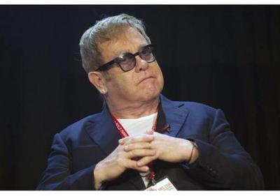 Elton John homenajea a revista NME tras última edición en papel