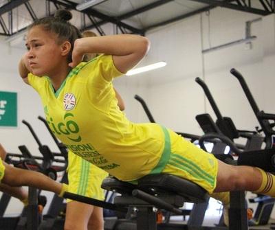 Femenina Absoluta: Trabajos de gimnasio como tarea principal