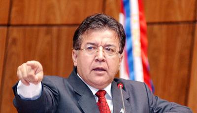 """""""La democracia cabalga sobre la diversidad"""", dice Nicanor"""