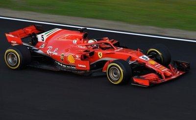 Hamilton y Vettel, por las 5 coronas de Fangio