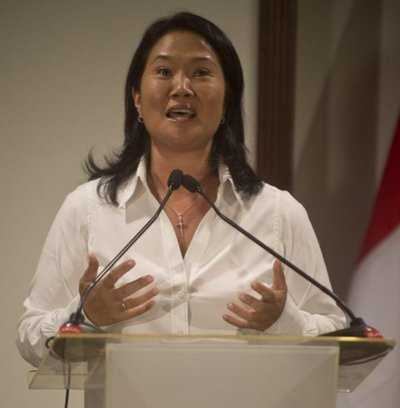 Disputa de hermanos Fujimori hace caer a Kuczynski