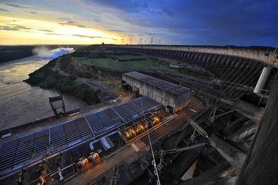 Itaipú proyecta su esclusa de navegación sobre el río Paraná