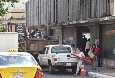 Pretenden recuperar  destruido edificio  para oficinas del MEC