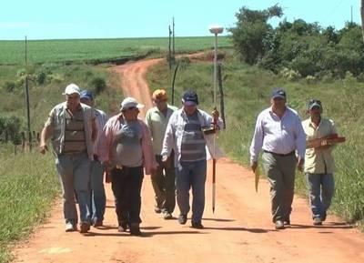 Campesinos del Guairá, conformes tras reunión en INDERT