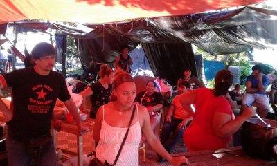 Ocupantes del Cuartel de la Victoria rechazan tierras en Itauguá y Villeta
