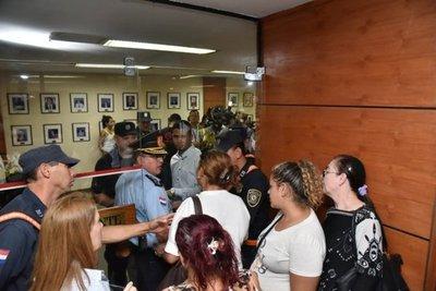 Metrobús: Altercados con frentistas en Municipalidad de Asunción