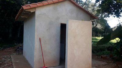 El baño que cuesta casi como una casa y le crea problema al intendente