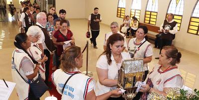 Una multitud de católicos rinde homenaje a San Pío de Pietrelcina