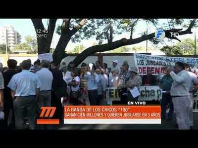 """Funcionarios de Itaipu se manifiestan contra """"jubilación de oro"""""""