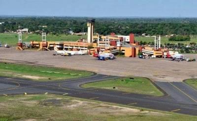 Reparan pista de aeropuerto y vuelos se atrasan
