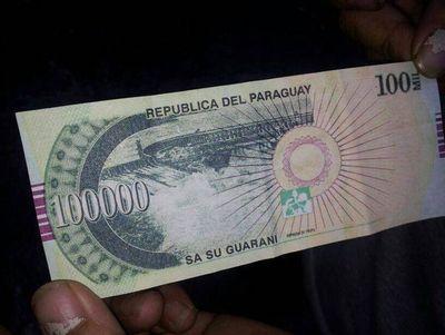 IMPUTAN A SOSPECHOSO DE FABRICAR Y HACER CIRCULAR BILLETES FALSOS DE GS. 100 MIL