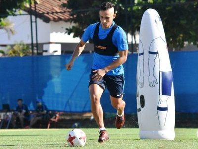 Luis Zubeldía prepara un equipo mixto