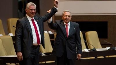 """Díaz-Canel asumió presidencia de Cuba y prometió dar """"continuidad a la revolución"""""""